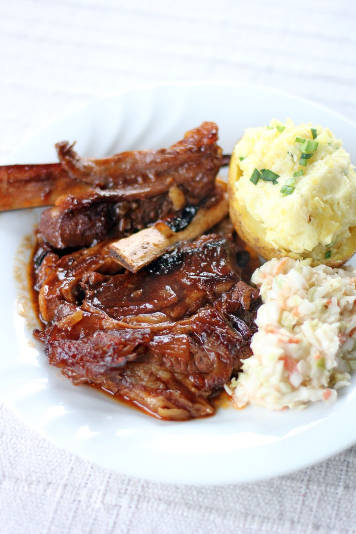 Braised Beef Ribs in Bourbon Barbecue Sauce